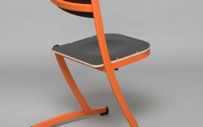 Video of our innovative 3.4.5. school chair, made in France