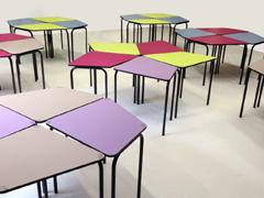 Un mobilier scolaire coloré